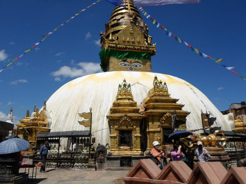 Сваямбхунатх - самопроявленная буддистская ступа.