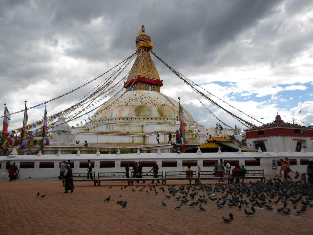 Боднатх - самая большая в мире буддистская ступа.